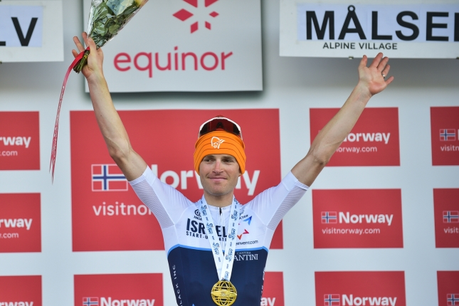 Arctic Race: V záverečnej etape triumf Walslebena pred Terpstrom, Hermans udržal dres