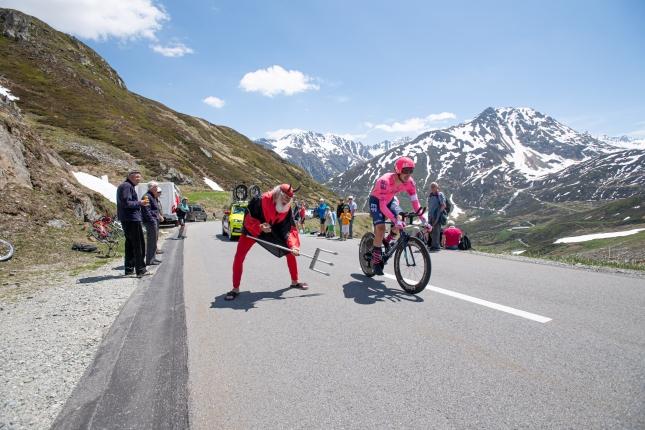 Švajčiarsko: V ITT Urán zničil konkurenciu, Carapaz udržal žltý dres, v Top 10 zmeny