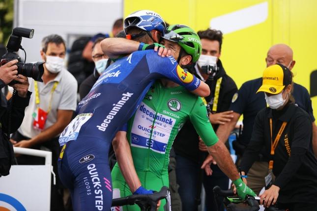 TdF: Cavendish zvíťazil a vyrovnal rekord Merckxa, v Top 3 aj Mörköv a Jasper Philipsen