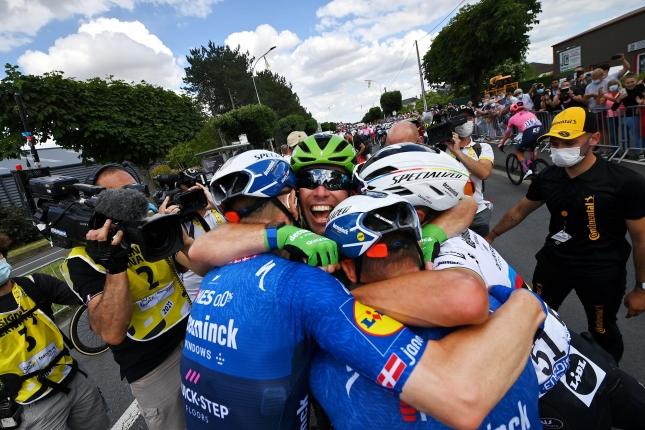 TdF: Tretíkrát zvíťazil Cavendish a zvýšil náskok, Sagan ôsmy, v GC bez zmien