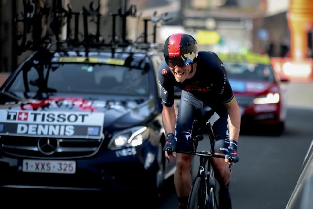 Okolo Romandie: V prológu vyhral Rohan Dennis, za ním Porte a Thomas, Peter Sagan skončil 28.