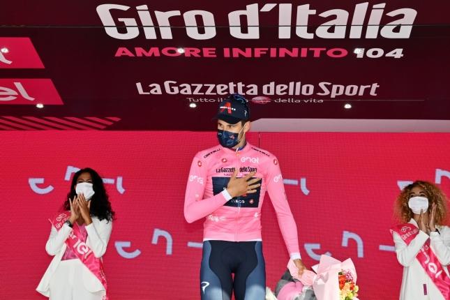 Giro: V úvodnej časovke deklasoval konkurenciu Filippo Ganna, Almeida získal cenný čas