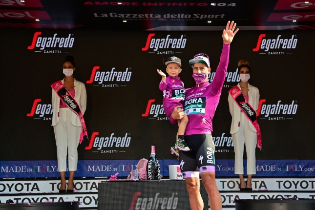 Sezóna Petra Sagana: Premiérová výhra bodovačky na Giro d'Italia, úspech aj na domácich cestách (+ graf & calculator)
