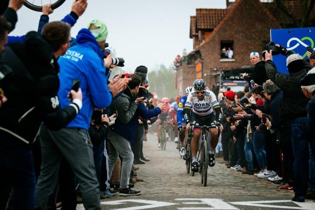 Sumár týždňa: Peter Sagan možno na konci roka opustí Boru, Paríž - Roubaix až na jeseň