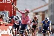 Vuelta: Pelotón si neporadil s únikom, tretíkrát triumfoval Magnus Cort, Meintjes skončil