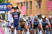Giro: Prvú šprintérsku etapu vyhral Tim Merlier, Sagan piaty, Ganna navýšil svoj náskok