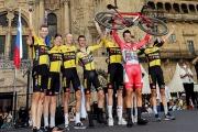 Vuelta skončila v Santiagu časovkárskym triumfom Rogliča pred Cortom, medzi najlepšími sa už nič nemenilo